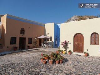 Bright and Open Villa in Greece with Stunning Views - Villa Camari with Studio - Kamari vacation rentals
