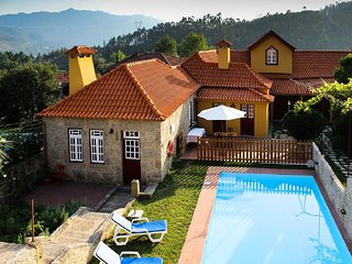 Beautiful 5 bedroom House in Geres with Shared Outdoor Pool - Geres vacation rentals