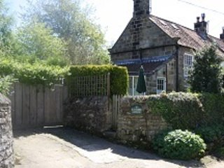 Cosy Blackbird Cottage Exterior - Blackbird Cottage Rated Excellent on Trip Advisor - Whitby - rentals