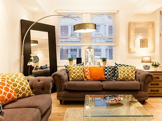 21LUNA! OXFORD STREET! BRIGHT*3bed3bath*deLUXE*LIFT - London vacation rentals