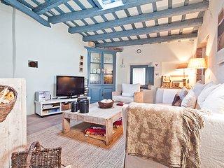 2 bedroom Villa with Internet Access in Ullastret - Ullastret vacation rentals