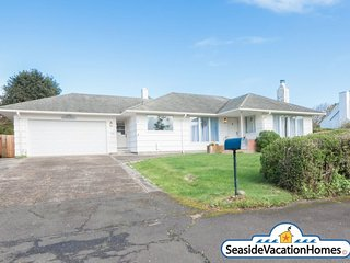 2350 Edgewood Dr - Near Ocean - 800 ft to beach - Seaside vacation rentals