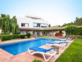 Lovely Villa with Internet Access and A/C - Garriguella vacation rentals