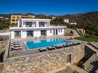 Beautiful 5 bedroom Villa in Agios Nikolaos - Agios Nikolaos vacation rentals