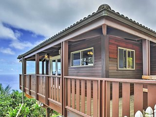 New Listing! Spectacular Wailuku Studio Cottage w/Wifi, Private Deck & Breathtaking Ocean Views -  Close to an Abundance of Outdoor Attractions! - Wailuku vacation rentals