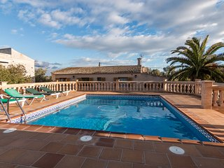 Cosy country house with pool and wifi located near Colonia de Sant Jordi - Ses Salines vacation rentals