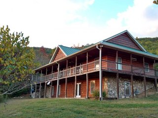 4 bedroom Cabin with Internet Access in Tallassee - Tallassee vacation rentals