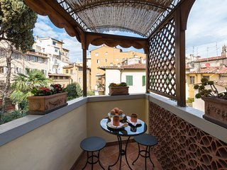 Perfect Charming-Ponte Vecchio-Terrace-Views-A++Reviews-Washer-Casetta Bonsi - Florence vacation rentals