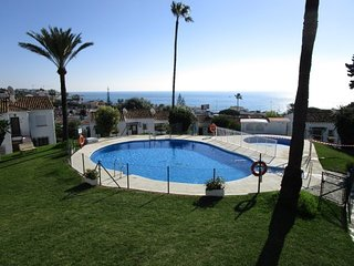 Top floor apartment in corner with sevieaw and sun all day, Malaga - Marbella - La Cala de Mijas vacation rentals