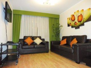 LIMA MIRAFLORES 2BED CONDO TOP LOCATION - Lima vacation rentals