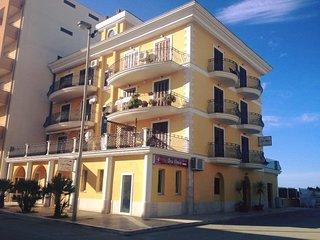 Aria di Mare guest house Grecale - Margherita di Savoia vacation rentals