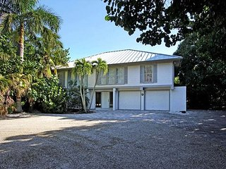 Fisherman's Dream! Lovely home with pool, boat dock and beach access - Captiva Island vacation rentals