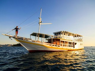 Komodoboat Trail   Cheapest Boat - Labuan Bajo vacation rentals