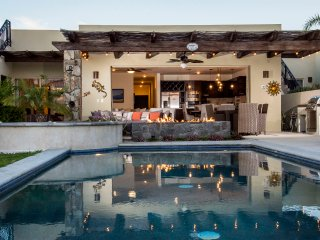 Luxury with 5 Star Amenities! 3 Bed/3.5 bath with spectacular Lands End view - Cabo San Lucas vacation rentals
