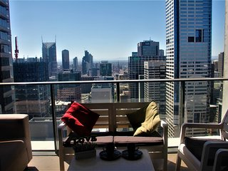 Panorama 43rd Floor LARGE 2br apartment in CBD (able to accommodate 6 people) - Melbourne vacation rentals