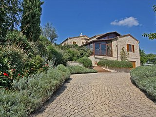 CASA GIOVANNA - Lovely House with private Pool and dependance, wi-fi, garden - San Ginesio vacation rentals
