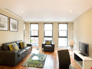 Stunning 2 Bedroom in Victoria for a great break in London! - London vacation rentals