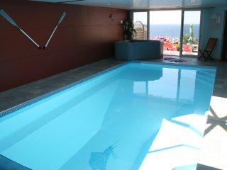 Villa vue mer, piscine chauffée, balnéo, sauna, plage - Moelan sur Mer vacation rentals