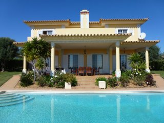 Villas Crisaflor at Colina Verde - Private Pool, Sea views - 8 pax (6 adults) - Fuzeta vacation rentals