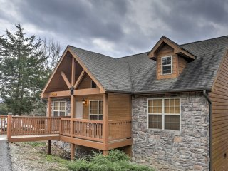 NEW! 2BR Branson Cabin w/Deck & Resort Amenities! - Branson vacation rentals