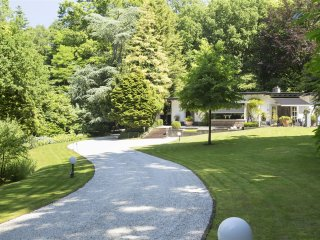Villa Vijver - Beautiful villa in a gorgeous garden & forest! - Epse vacation rentals