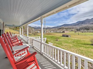 NEW! 3BR Bakersville Area 'Red Roof Farmhouse'! - Bakersville vacation rentals