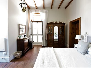 Cozy 1 bedroom George Bed and Breakfast with Internet Access - George vacation rentals