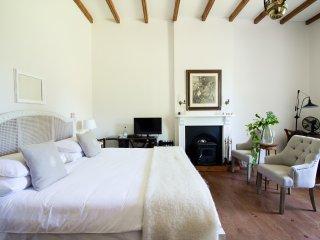 Superior  Room 1 - George vacation rentals