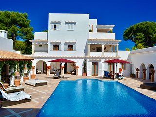 Stunning 8 Bed Luxury Villa with pool and Sea views in Cala Dor - Cala d'Or vacation rentals