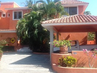 Cosy apartment in a beautiful residence, 5 min walk to Blue Flag Certified Beach - Ixtapa vacation rentals