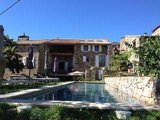 "Gite 1 ""Grand Paradis"" chez Art en Route, Chassiers, rust  ruimte privacy - Chassiers vacation rentals"