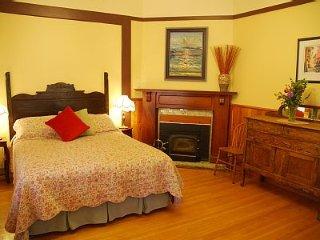 Verandah Suite - - Victoria Falls Guesthouse - Nelson vacation rentals