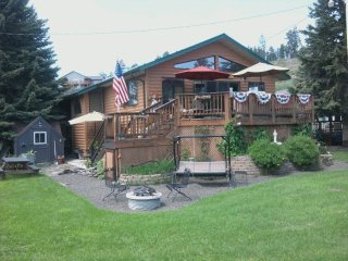 Cozy House in Hill City with Microwave, sleeps 6 - Hill City vacation rentals