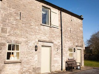 YEW TREE COTTAGE, part of the Chatsworth Estate, woodburner in Wetton Ref 955845 - Wetton vacation rentals