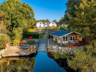Perfect Cottage with Internet Access and Television - Rockcliffe vacation rentals