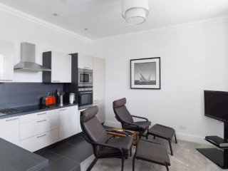 No. 4 Paramount Apartments located in Lytham St Annes, Lancashire - Lytham Saint Anne's vacation rentals