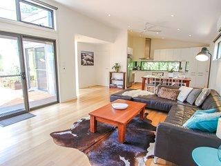 Nice 3 bedroom House in Harrietville with Deck - Harrietville vacation rentals