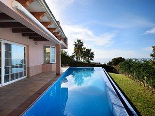 Perfect 4 bedroom Villa in Son Bou - Son Bou vacation rentals