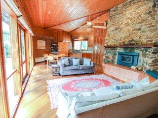 3 bedroom House with Deck in Harrietville - Harrietville vacation rentals