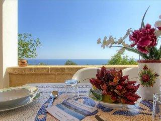 Il Corbezzolo - ampia villetta vista mare - Marina San Gregorio vacation rentals