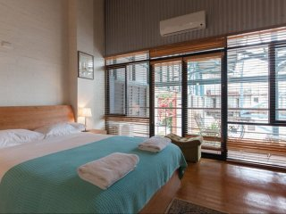 Fremantle Terrace Trendy Warehouse Stay - Fremantle vacation rentals