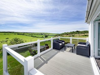 Lovely Cottage with Washing Machine and Television - Bwlchtocyn vacation rentals
