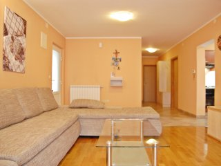 2 bedroom Apartment with Internet Access in Pjescana Uvala - Pjescana Uvala vacation rentals