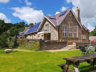 Old primary school built 1876, newly renovated, eco friendly - Pencader vacation rentals