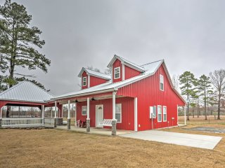 New! Brand New 3BR Higden House w/ Spacious Yard! - Higden vacation rentals