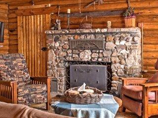 New! Rustic 5BR Saratoga Cabin w/ Mountain Views! - Saratoga vacation rentals