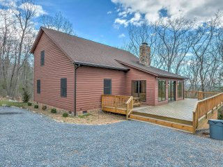 NEW! 'Mountain Paradise' 5BR Hinton Cabin w/ Views - Hinton vacation rentals