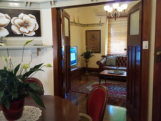 Ravenswood ... An iconic residence in the heart of Drouin - Drouin vacation rentals