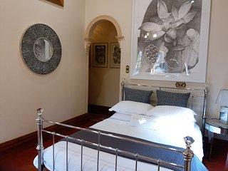 Crystal Suite, Grand Bluestone Mansion, North Adelaide - Adelaide vacation rentals