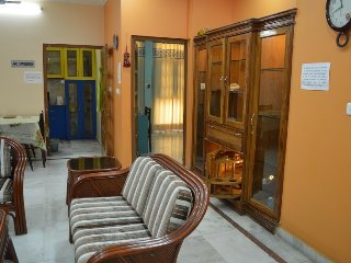 """99$ per day for 4 Guests, Executive Suite """"2BHK Serviced Apartment"""" in Lucknow - Lucknow vacation rentals"""
